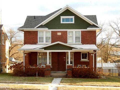 309 W Catlin St, Elizabeth, IL 61028