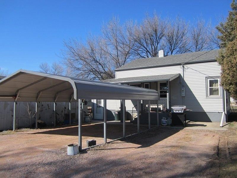 1449 Canton Ave, Hot Springs, SD 57747