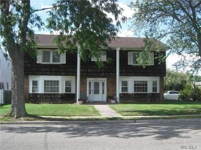 540 Halevy Dr Cedarhurst, NY 11516