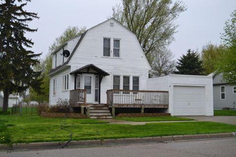 319 8th St, Brewster, MN 56119