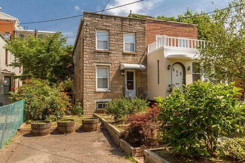 272 7th St, Jersey City, NJ 07302. House For Sale