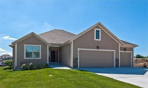 14165 Brookstone Ct, Basehor, KS 66007