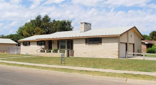 903 E Labrador Blvd Garden City Ks 67846 Home For Sale Real Estate