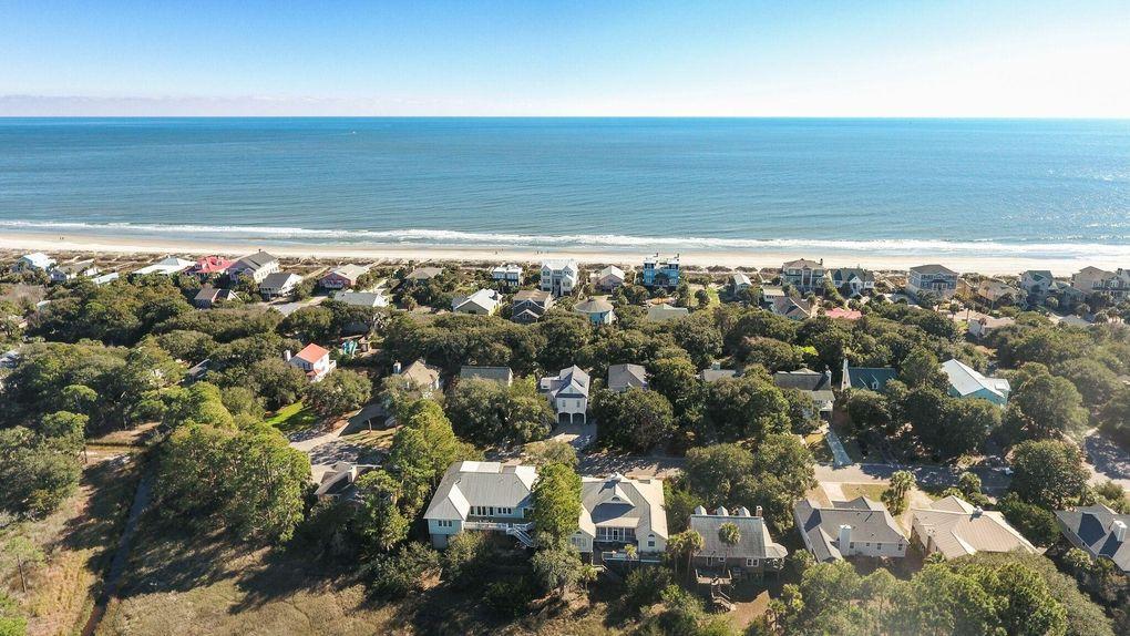 510 W Beach Ct, Folly Beach, SC 29439