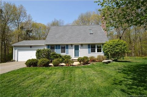 28 Blueberry Ln, Colchester, CT 06415