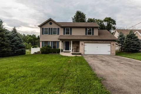 609 Lorelei Dr, Perry Township, OH 45118