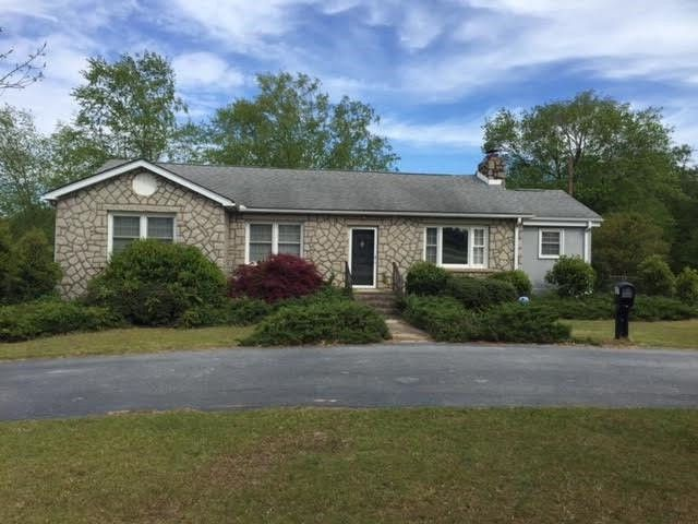 Town And Country Greenwood Sc >> 2427 Highway 72 221 E, Greenwood, SC 29649 - realtor.com®