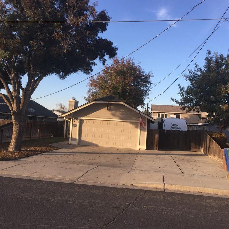 19798 Echo St, Hilmar, CA 95324