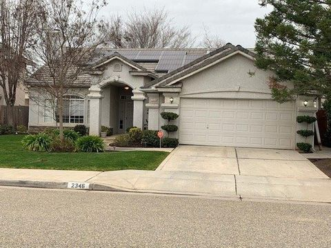 Photo of 2346 E Desert Island Dr, Fresno, CA 93730