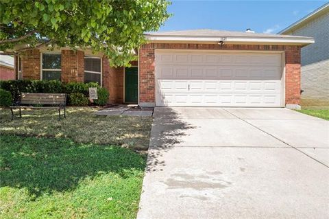 Photo of 1621 Thornhill Ln, Little Elm, TX 75068