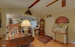 3766 Mount Vernon Rd, Gainesville, GA 30506   Kitchen