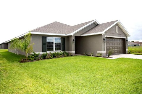 Photo of 14510 Scottburgh Glen Dr, Wimauma, FL 33598