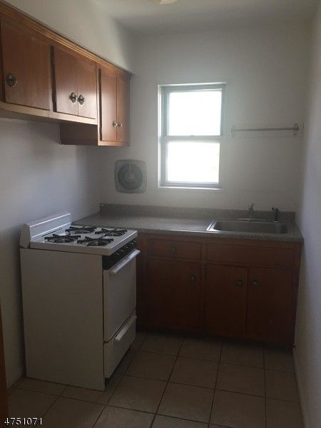 341 Preakness Ave, Paterson, NJ 07502