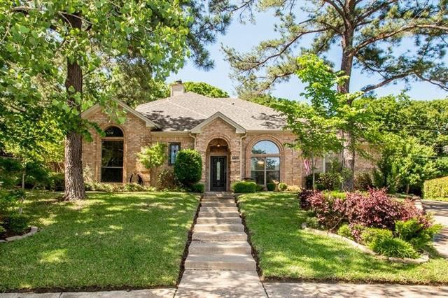 3200 Oak Tree Ln, Grapevine, TX 76051