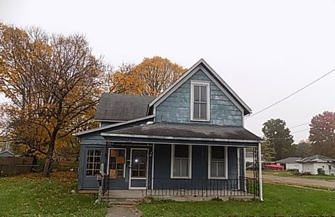 136 N Franklin St, Knightstown, IN 46148