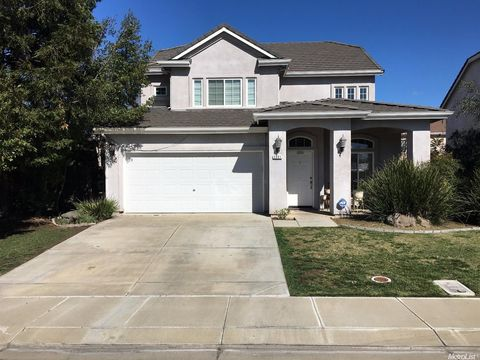 2601 Allegiance Ln, Riverbank, CA 95367