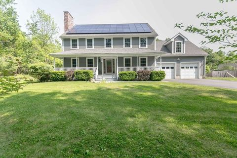 4 Deer Haven Dr, Haydenville, MA 01039