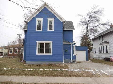 224 W Pacific St, Appleton, WI 54911