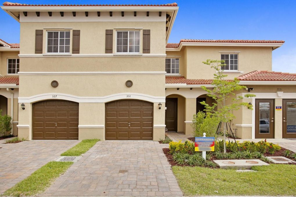 309 Ne 47th Pl, Deerfield Beach, FL 33064