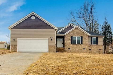 Photo of 5500 E Hiddenbrook Dr, McLeansville, NC 27301