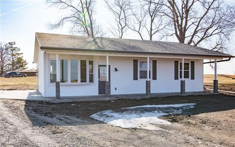 Photo of 111 1st Ave, Collins, IA 50055
