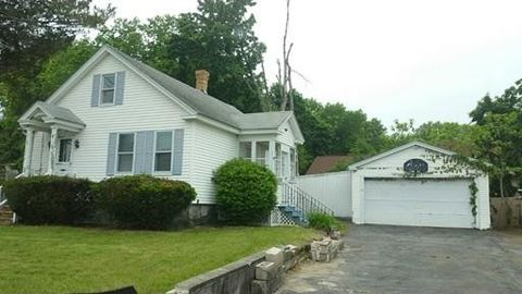 170 E Meadow Rd, Lowell, MA 01854