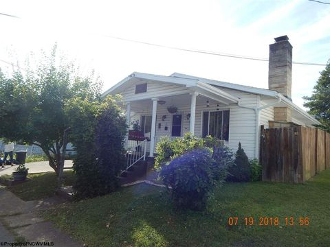 705 Maple Ave, Barrackville, WV 26554