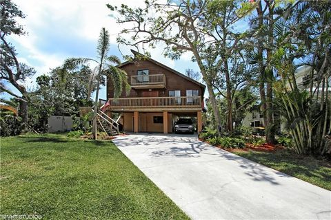 Photo of 373 3rd Ave, Marco Island, FL 34145
