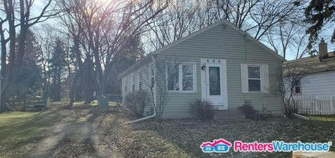 Photo of 4233 W Parkland Ave, Brown Deer, WI 53209