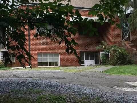 Photo of 1693 Milligan Hwy Unit 2, Johnson City, TN 37601