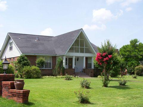 137 Wilson Ave, Grove Hill, AL 36451
