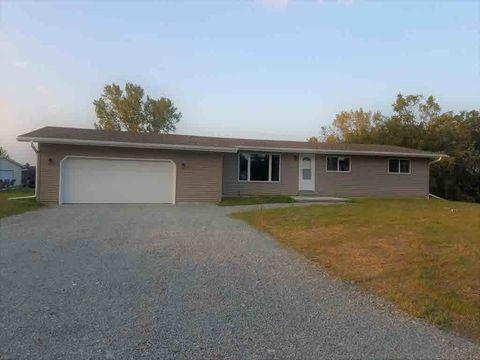 704 Territorial Rd, Clyman, WI 53016
