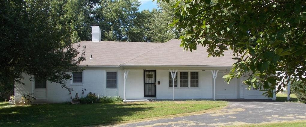 4022 S Woodland Ave, Independence, MO 64052
