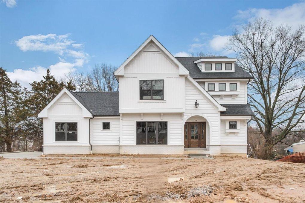 1747 W Woodbine Ave Kirkwood, MO 63122