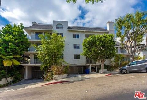 1129 Larrabee St Apt 11, West Hollywood, CA 90069