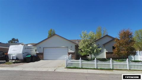 Photo of 1610 New Mexico St, Green River, WY 82935