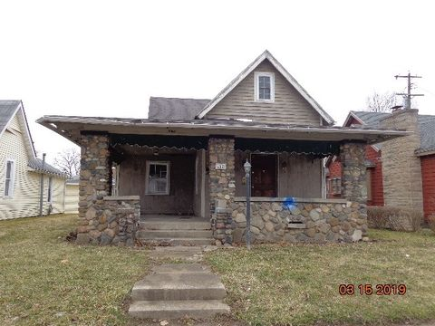 Photo of 217 N F St, Marion, IN 46952