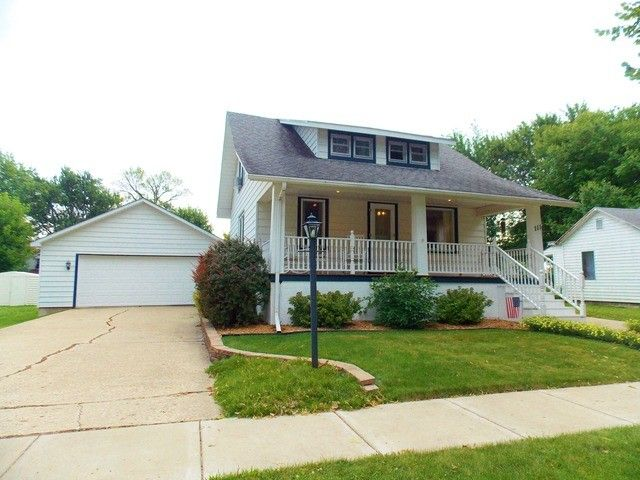 111 S 3rd Ave Forreston Il 61030 Realtor Com 174