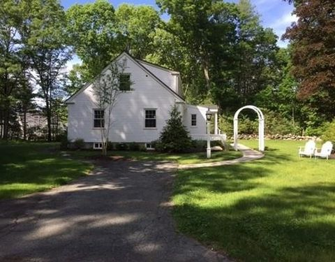 943 Lowell Rd, Concord, MA 01742