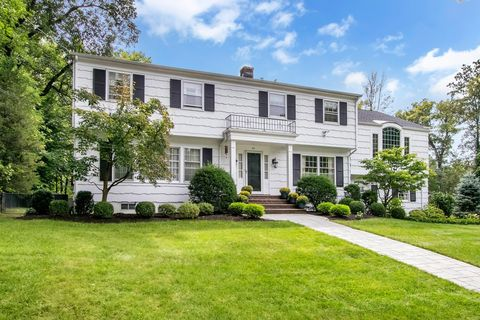 29 Dearborn Dr, Old Tappan, NJ 07675