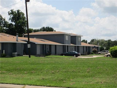 2 Summerton Dr Apt 381, Saint Rose, LA 70087