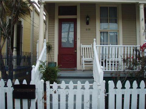 Photo of 608 Valence St, New Orleans, LA 70115