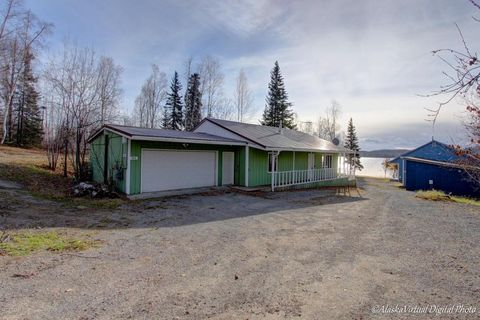 16034 Heikes Dr, Big Lake, AK 99652