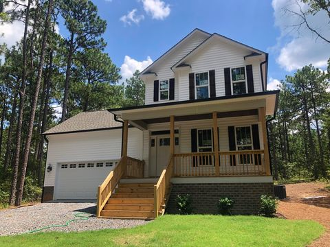 Photo of 595 Clark St, Southern Pines, NC 28387
