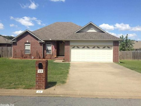 13 Livingstone Dr, Searcy, AR 72143
