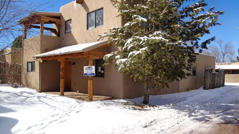 Photo of 630 Zuni St Apt 10, Taos, NM 87571