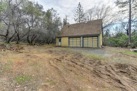 Photo of 4805 Cedar Ridge Dr, Auburn, CA 95602