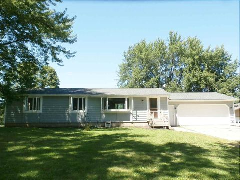 1793 210th St, New Hampton, IA 50659