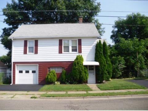 57 North St, Johnson City, NY 13790