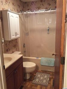 1013 Waverly Rd, Pawleys Island, SC 29585   Bathroom